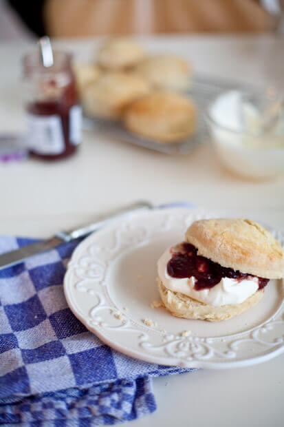 Scones for high tea | insimoneskitchen.com