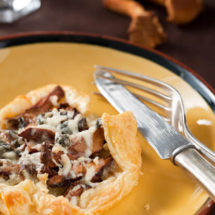 Chanterelle mushroom pie | insimoneskitchen.com