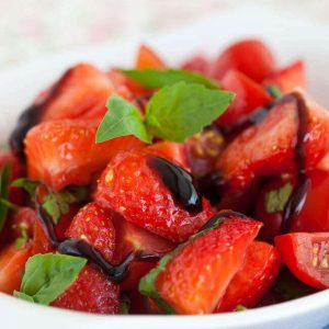 Strawberry tomato salad | insimoneskitchen.com