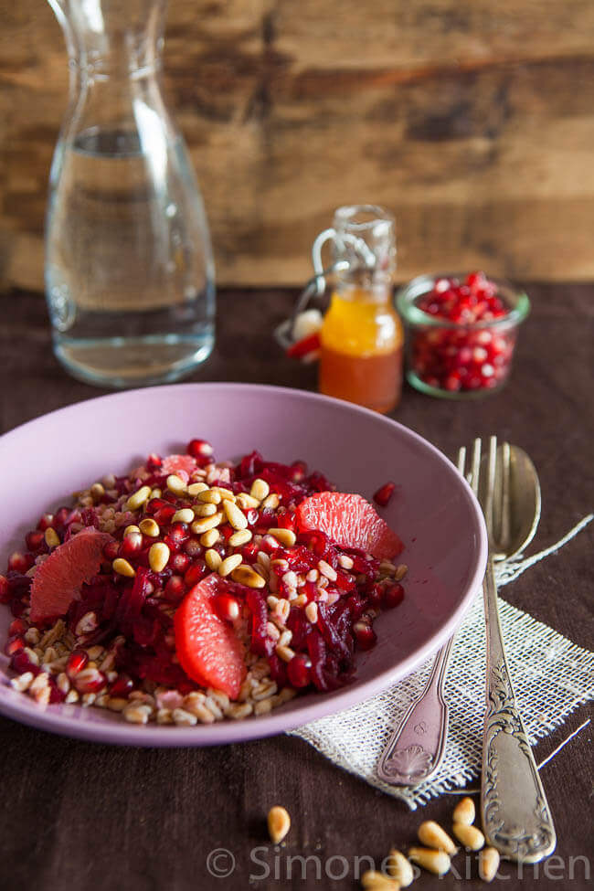 Healthy salad with spelt and pomegranate | insimoneskitchen.com