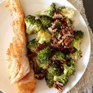 Roasted broccoli with garlic | insimoneskitchen.com