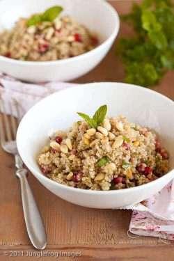 Quinoa and pomegranate salad | insimoneskitchen.com