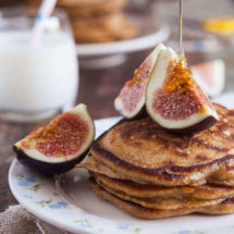 Pancakes with fresh figs and cranberries | insimoneskitchen.com