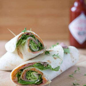 Roast beef with hummus wraps | insimoneskitchen.com