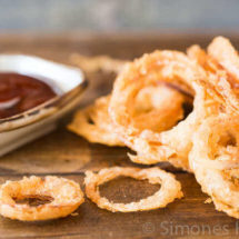 Fried onion rings | insimoneskitchen.com