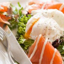 Smoked salmon with poached egg | insimoneskitchen.com