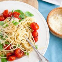 Spaghetti with crushed tomatoes   insimoneskitchen.com