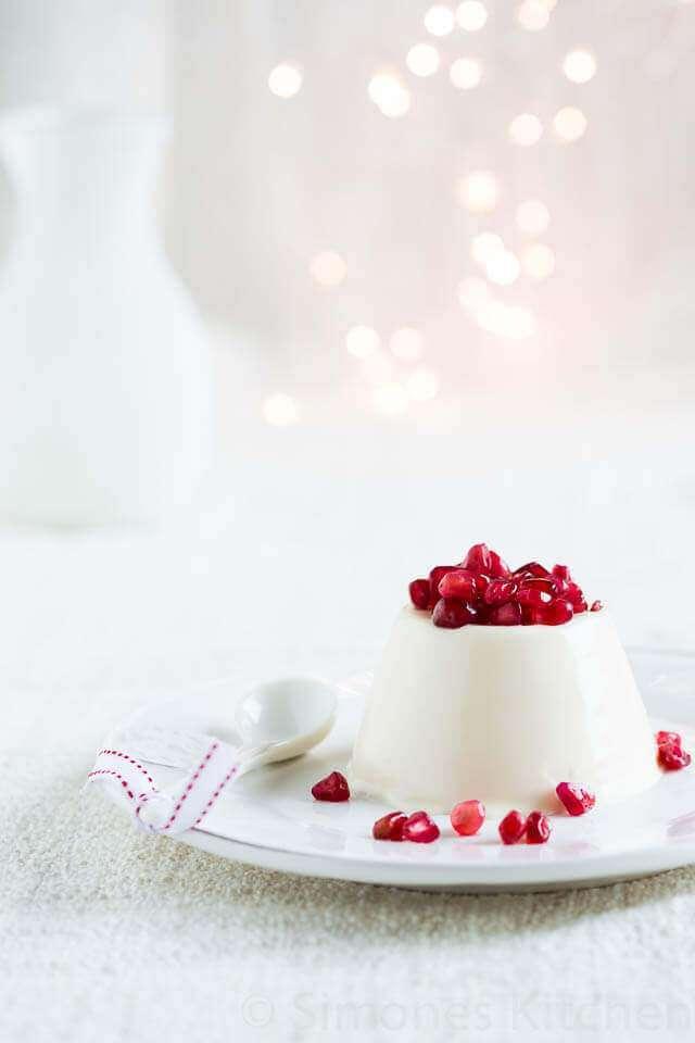 christmas dessert yogurt pannacotta with pomegranate. Black Bedroom Furniture Sets. Home Design Ideas