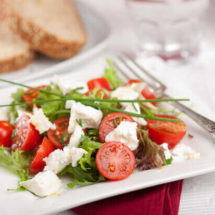 Salad with feta and tomatoes | insimoneskitchen.com