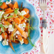 Roasted carrot salad with goatcheese | insimonekitchen.com