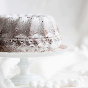 Bundt cake with roasted marzipan | iinsimoneskitchen.com