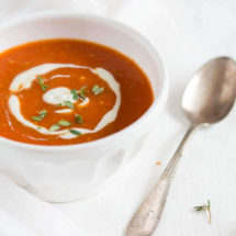 Tomato soup with roasted bell peppers | insimoneskitchen.com