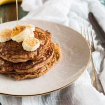 Glutenfree buckwheat pancakes with yogurt | insimoneskitchen.com