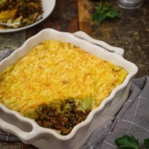 Kale with tomato, minced meat and cheese | insimoneskitchen.com