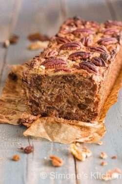 Delicious cake with raisins and dates | insimoneskitchen.com