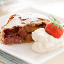 Apple strudel | iinsimoneskitchen.com