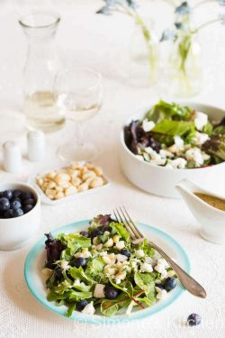 Salad with goat cheese and blue berries | insimoneskitchen.com