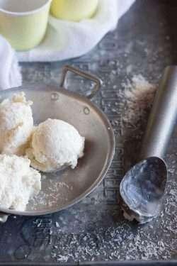Roasted coconut icecream | insimoneskitchen.com