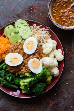 The ultimate gado gado recipe with peanut sauce | insimoneskitchen.com