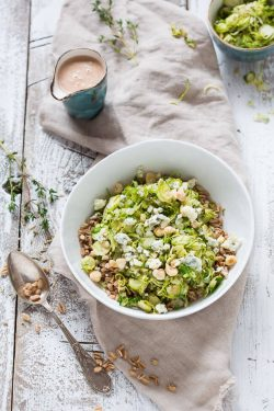 Salad of Brussels Sprouts and blue cheese | insimoneskitchen.com