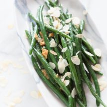 Garlic green beans with almonds | insimoneskitchen.com