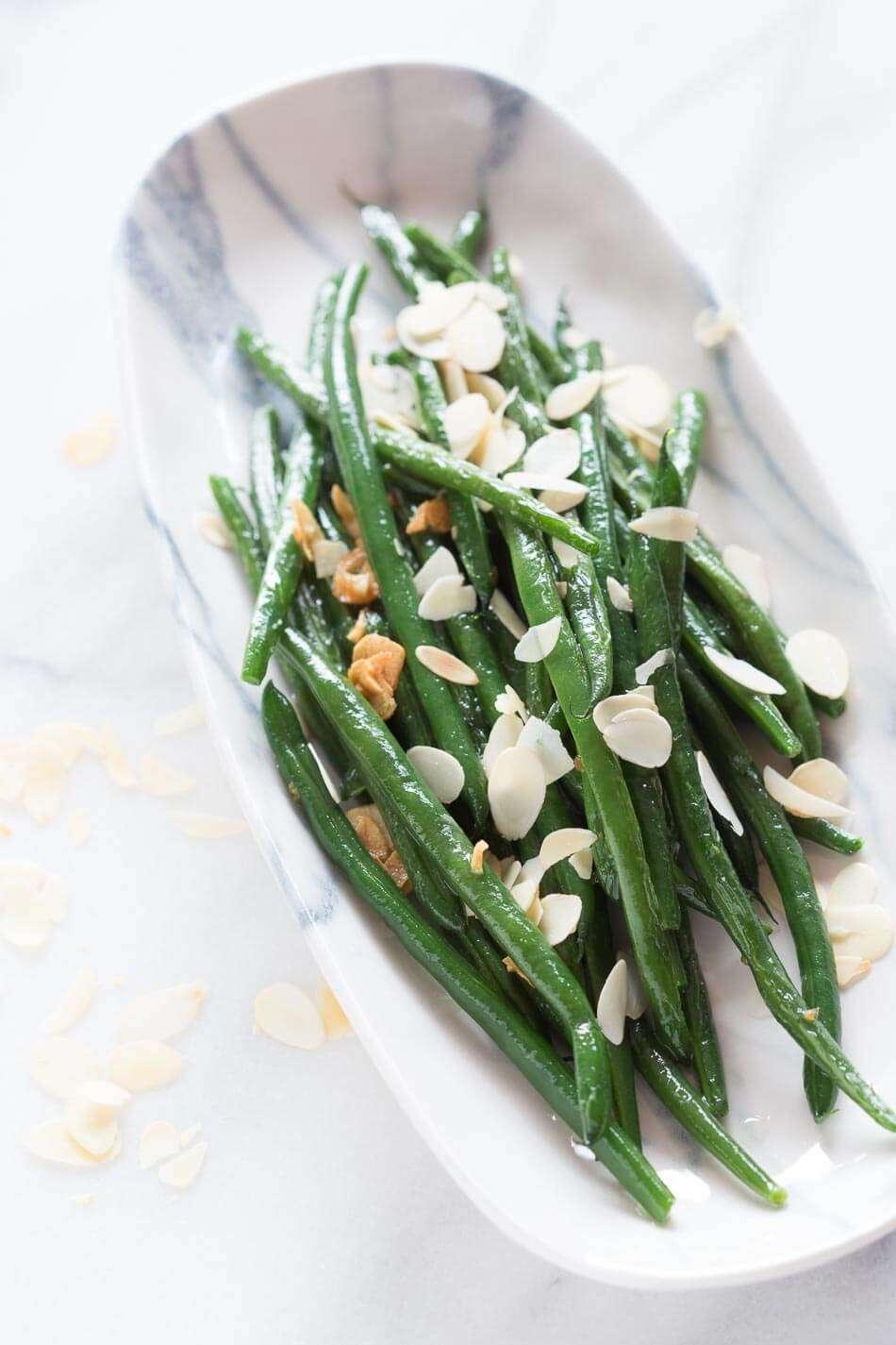 Garlic green beans with almonds | insimoneskitchen.com