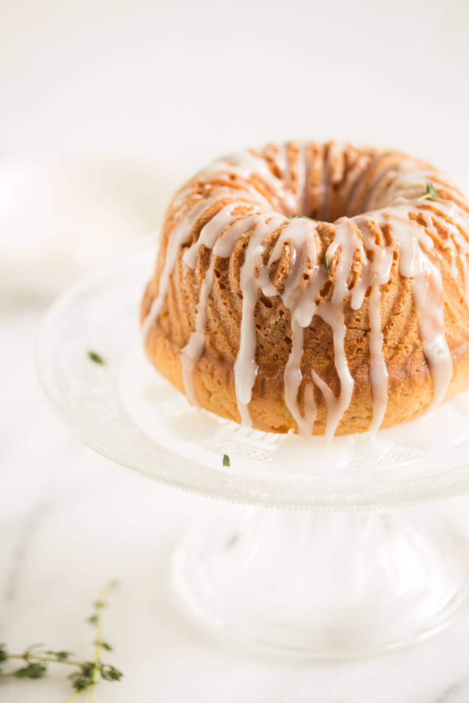 lemon and thyme bundt cake | insimoneskitchen.com