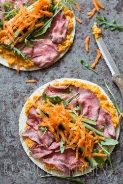 Wraps with roastbeef and pumpkin dip | insimoneskitchen.com