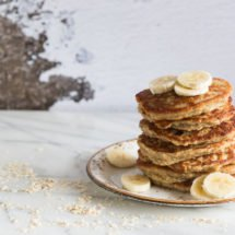 Healthy oatmeal coconut and banana pancakes   insimoneskitchen.com