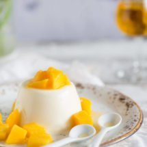 Pannacotta with licor43 | insimoneskitchen.com