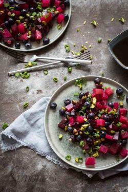 Beeetroot salad with blueberries and pistache | insimoneskitchen.com