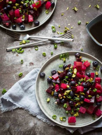 Beeetroot salad with blueberries and pistache | insimoneskitchen.com