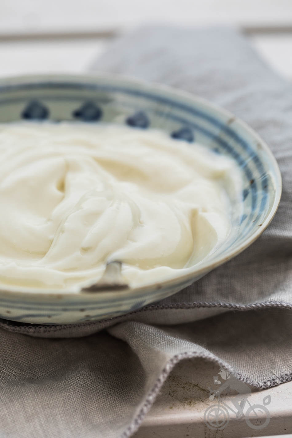 How to make vegan mayonaise | insimoneskitchen.com
