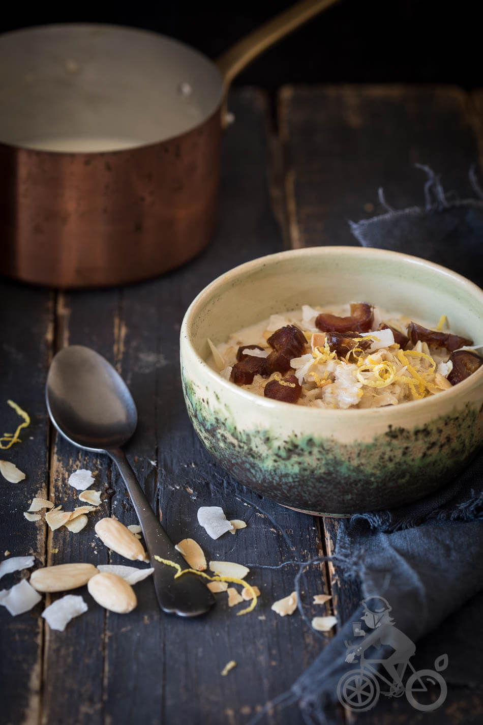 Oats with lemon, dates and nuts | insimoneskitchen.com