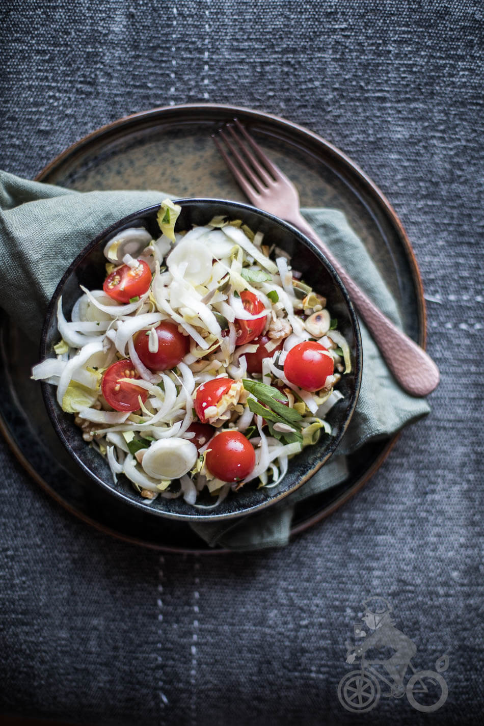 Chicory salad with tomatoes | insimoneskitchen.com