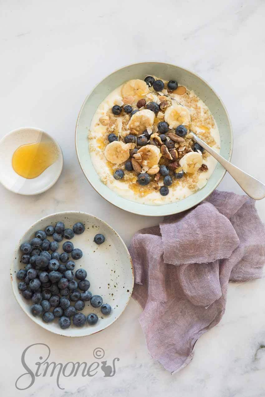 Quinoa breakfast bowl | insimoneskitchen.com