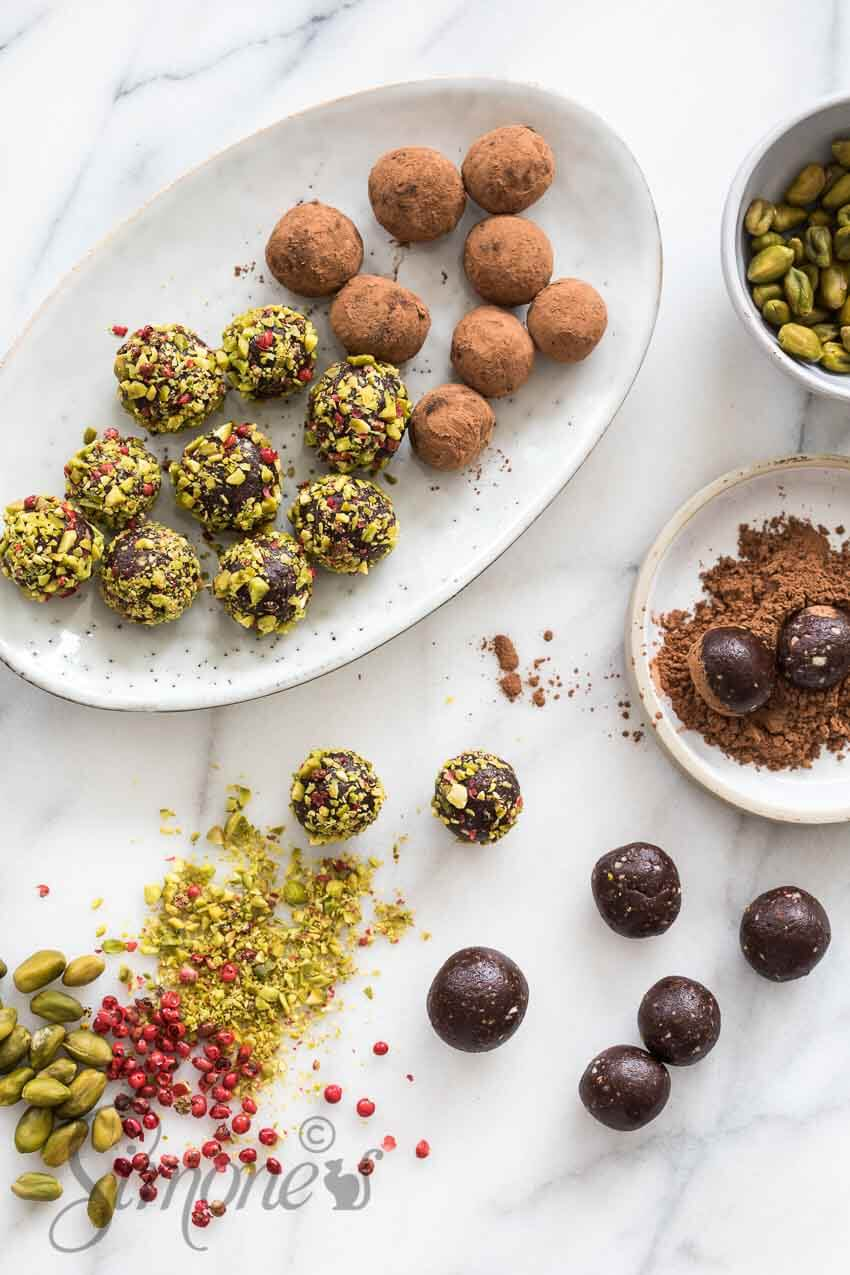 Orange date balls | insimoneskitchen.com