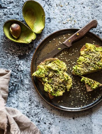 Avocado toast with hemp seeds | insimoneskitchen.com
