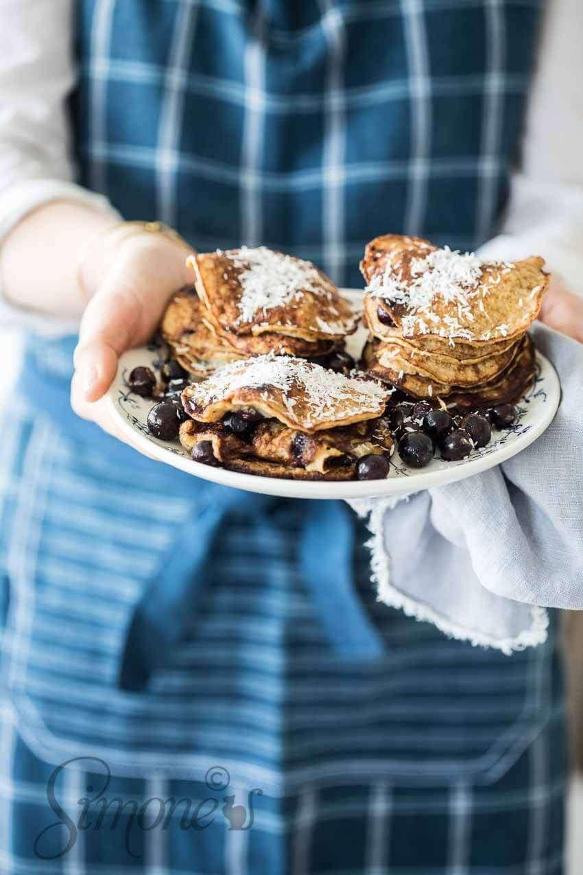 Coconut banana pancakes | insimoneskitchen.com