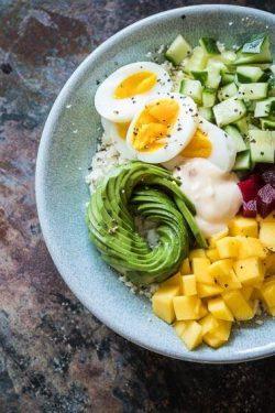 Healthy poke bowl with cauliflower rice | insimoneskitchen.com
