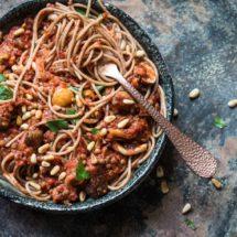 Vegan spaghetti bolognese | insimoneskitchen.com