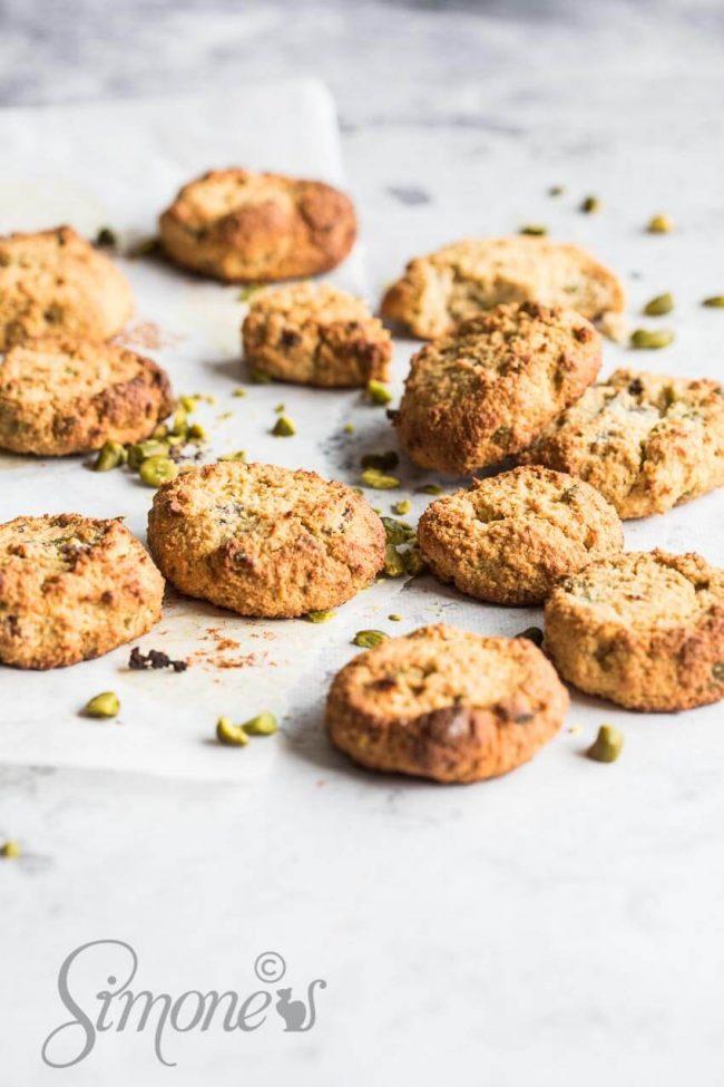 Gluten free pistache cookies | insimoneskitchen.com