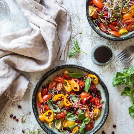 Tomato paprika salad | insimoneskitchen.com