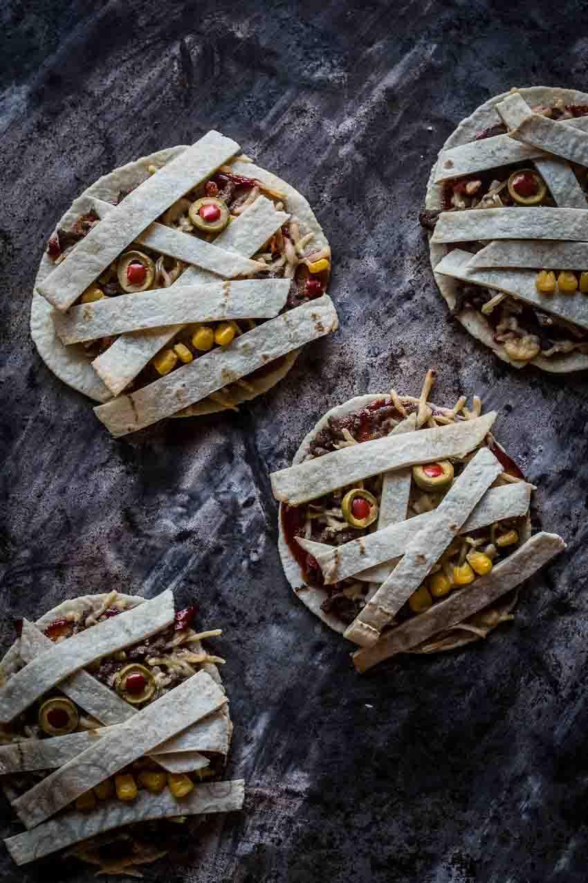 Halloween mummy tortilla | insimoneskitchen.com
