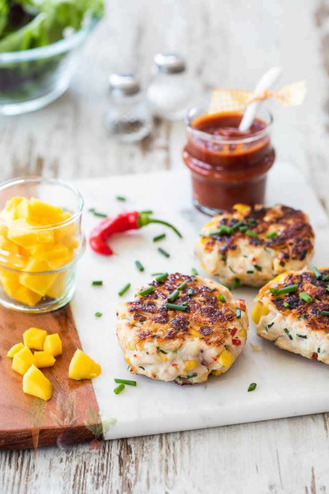 Mango chicken burgers that are whole30 approved