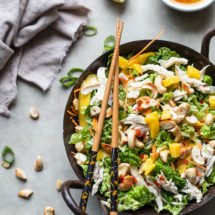 Quick thai salad with mango and chicken