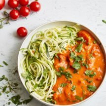 Tomato curry with zucchini noodles