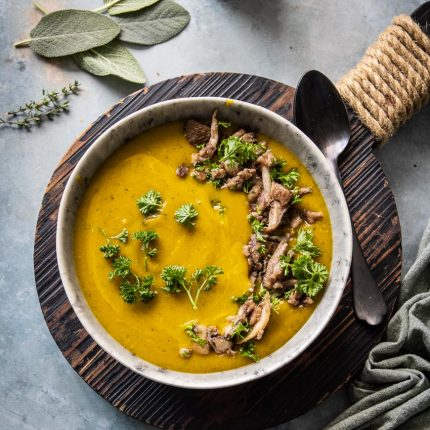 Pumpkin soup with chestnuts